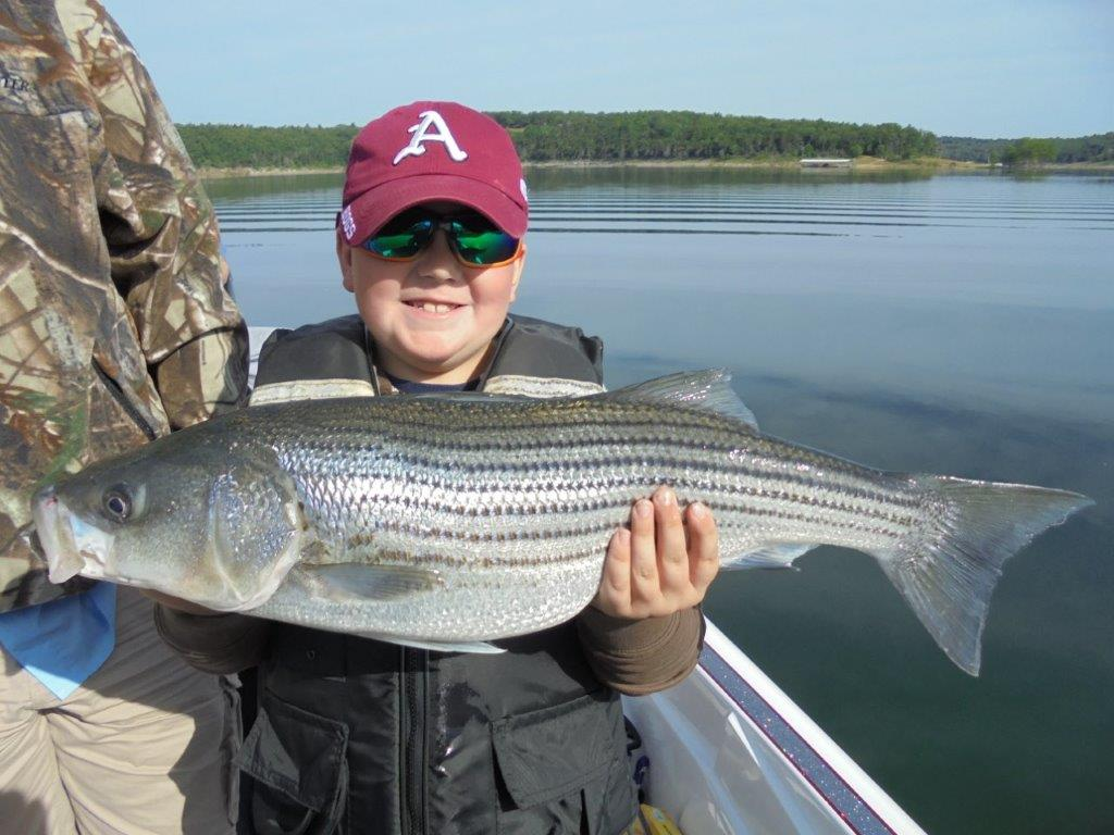 Blackburns resort lake norfork for Fishing resorts in arkansas