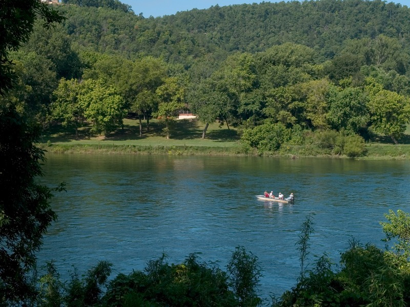 Norfork resort trout dock white river explore the ozarks for Fishing resorts in arkansas