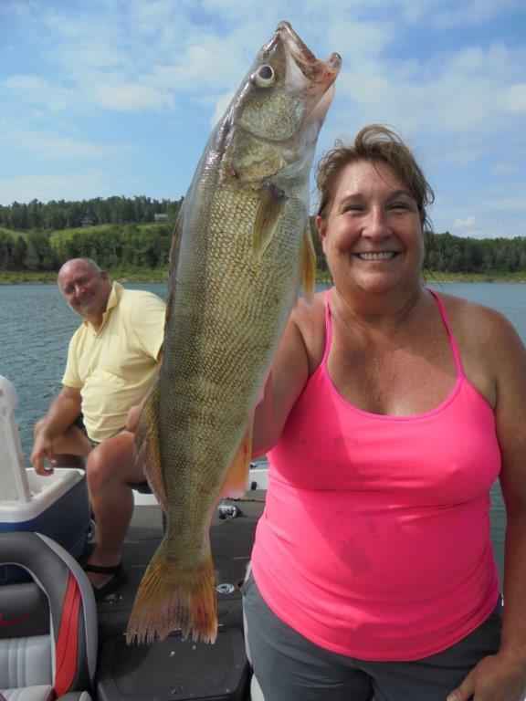 Lake norfork fishing report by blackburn 39 s resort for Fishing resorts in arkansas