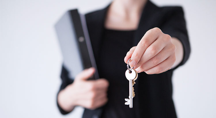 5 Reasons to Hire A Real Estate Professional When Buying or Selling.