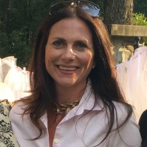 Wendy Stewart|sales Associate